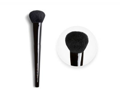 Side-Angle Contour Blush Brush
